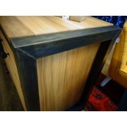Bahut fer et bois chêne huilé 2 portes 3 tiroirs zoom sur coin