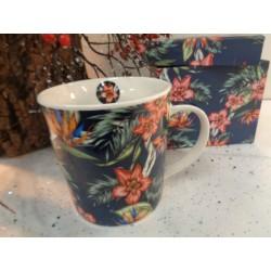 Meubles Patines et Objets, savoie Bassens 73, Mug tasse noire déco fleurs avec boîte cadeau autre vue